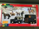 Land Rover Defender 90 with Rice horse trailer and accesoires