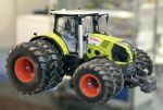 Claas Axion 870 on duals rear and front