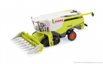 Claas Lexion 770 TT combine harvester with Claas Conspeed maishead