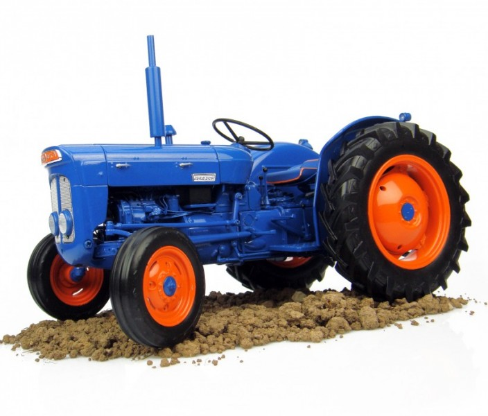 1963 Ford Tractor Model 2000 : Fordson super dexta farmmodeldatabase