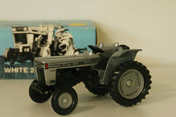 White-Iseki 2-35 - farmmodeldatabase com